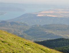 Plateau de Valensole et Lac de Sainte-Croix vu du Montdenier