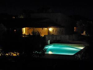 gite-trottevache-ventoux-piscine-nuit